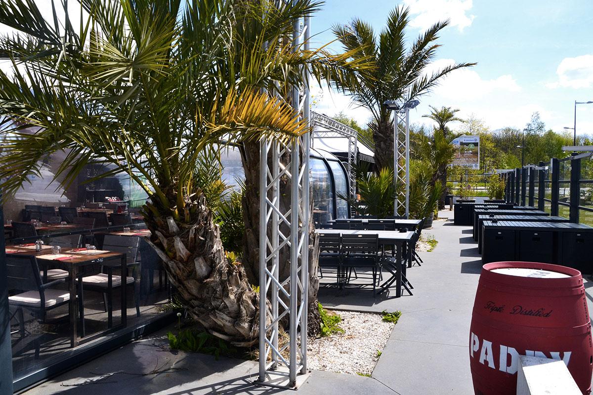 restaurant french pub ambiance